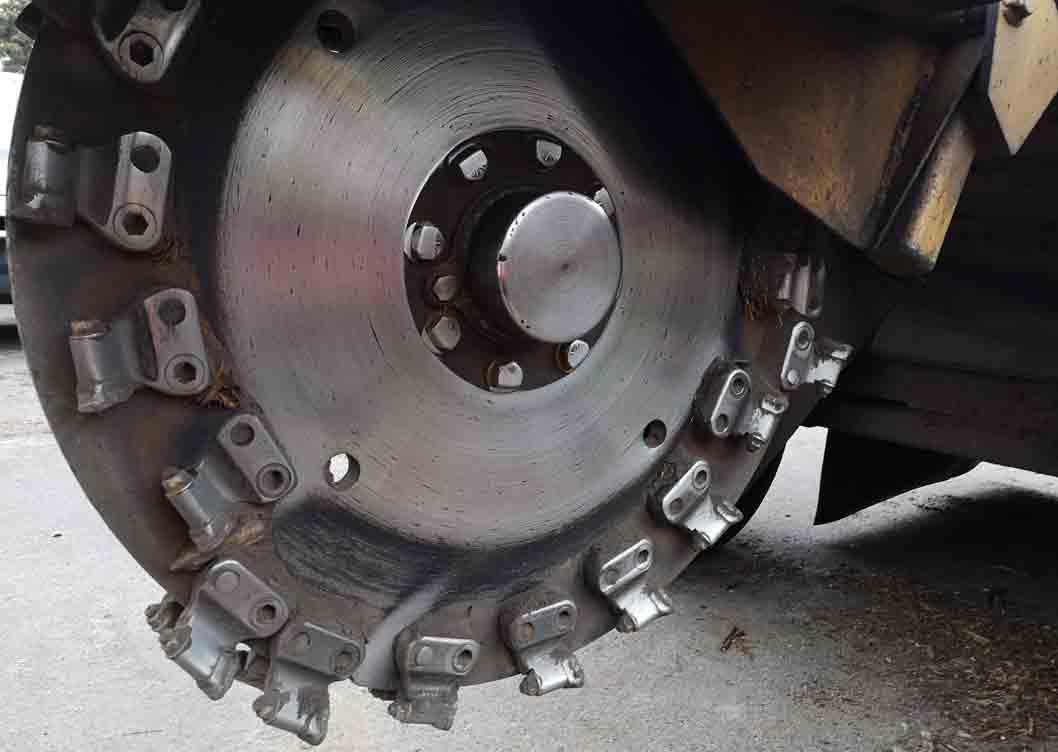 Large stump grinder cutting wheel